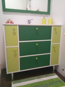 Mueble de baño verde